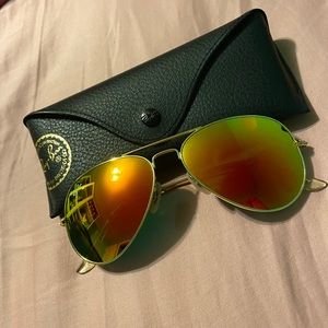 Ray-Ban Aviator Flash Lense Sunglasses